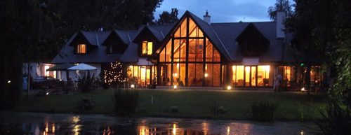 Willowbeck Lodge-night